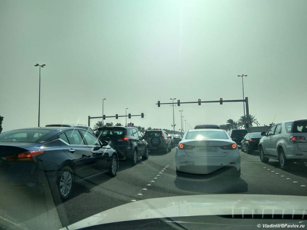 Probki v ulichnom dvizhenii. Manama Bahrejn. Manama Bahrain 1024x768 - Экскурсии в Бахрейне. Самостоятельное путешествие по Бахрейну.
