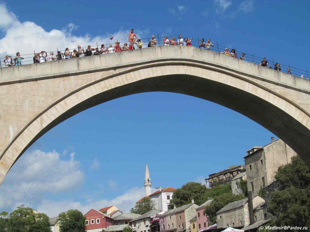 Prygat so Starogo mosta v Mostare eto tselaya traditsiya. Mostar. Bosniya i Gertsegovina Mostar 1024x768 - Традиции Мостара (Mostar). Прыгуны с моста