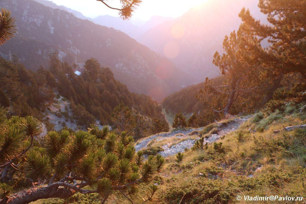Rassvet na sklone gory Olimp 1024x682 - План восхождения на Олимп. Литохоро (Litochoro).