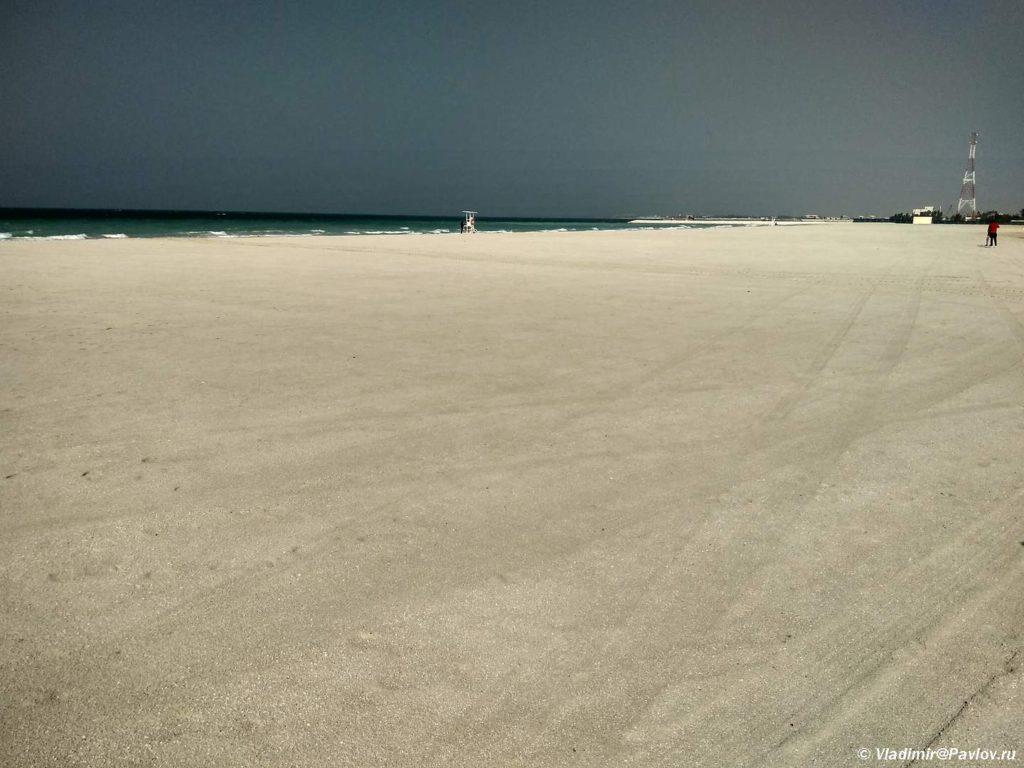 Samyj prostornyj i dikij plyazh. Plyazhi Bahrejna. Bahrain beach 1024x768 - Пляжи Бахрейна. Где купаться в Бахрейне