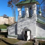 Sergievskaya tserkov v Starom Izborske 150x150 - Церкви и источник рядом с Изборской Крепостью