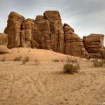 Skaly v pustyne Vadi Ram obrazuyut prichudlivye figury. Iordaniya. Wadi Rum Jordan 150x150 - Каньоны в пустыне Вади Рам (Wadi Rum). Иордания.