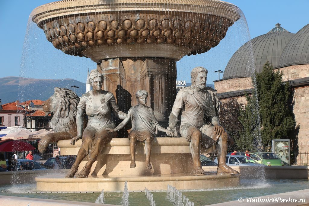 Skulptury fontana Korolya Filipa Vtorogo v Skope King Philip II of Makedon 1024x682 - Достопримечательности Македонии, Скопье.