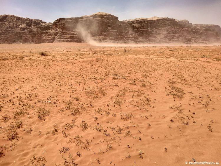 Smerch v pustyne Vadi Ram. Iordaniya. Wadi Rum Jordan 1 750x563 - Песчаная буря в пустыне Вади Рам (Wadi Rum sand storm)