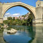 Staryj Most i ego otrazhenie v Neretve. Bosniya i Gertsegovina Mostar 150x150 - Старый Мост (Stari most) - достопримечательность в Мостаре (Mostar)