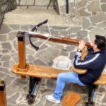 Strelok iz arbaleta v San Marino. Pri nas on s 50 metrov popal v mishen razmerom s bolshuyu monetu 150x150 - Республика Сан Марино. San Marino, Продолжение.