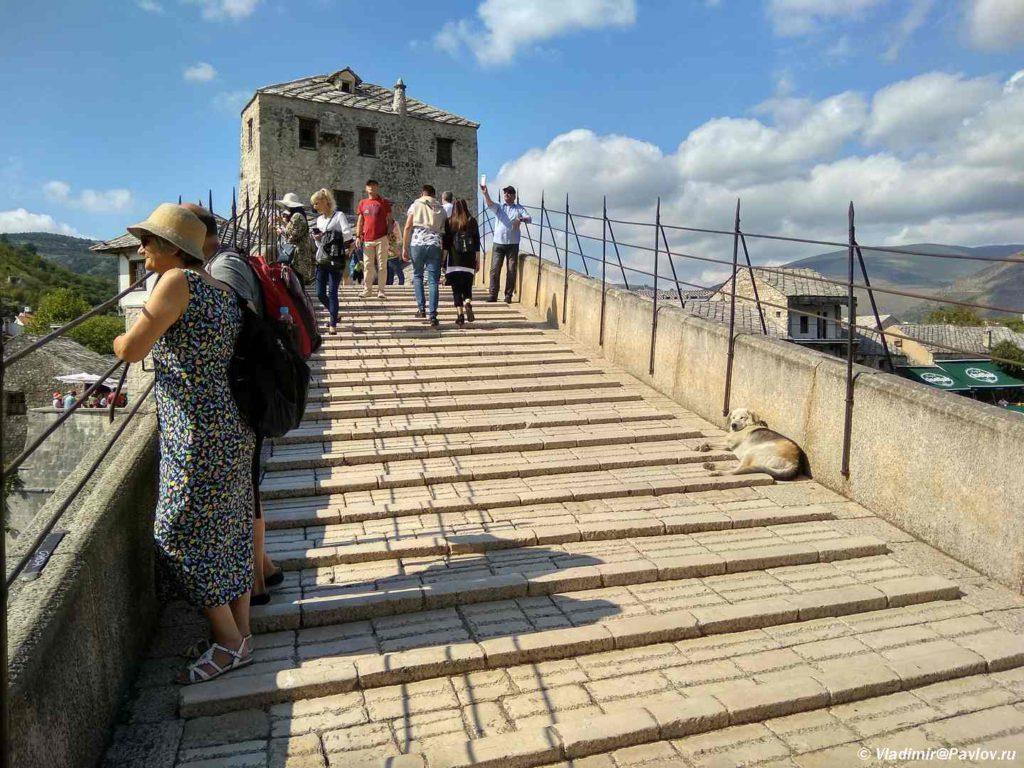 Stupeni Starogo Mosta v Mostare. Bosniya i Gertsegovina Mostar 1024x768 - Что показывают в Мостаре организованным туристам