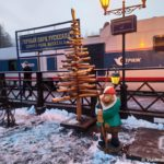 Turisticheskij poezd Strizh na platforme. Stantsiya Gornyj park Ruskeala. Kareliya 150x150 - Железнодорожная станция Горный парк Рускеала в Карелии