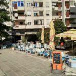 Ulichnoe kafe sredi zhilyh kvartalov obychnoe delo v Mostare. Bosniya i Gertsegovina 150x150 - Прогулка по Мостару (Mostar). Босния и Герцеговина