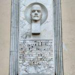 V.I.Lenin poseshhal nahodivshijsya v etom dome pochtamt v svyazi s aktivnoj perepiskoj 150x150 - Прогулка по Пскову