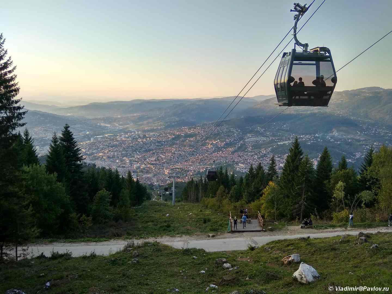 Vecher nad gorodom. Saraevo. Bosniya i Gertsegovina Sarajevo - Бобслейная олимпийская трасса в Сараево! Канатная дорога