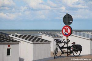 Velosiped tandem na naberezhnoj Ostende 300x200 - Бельгия. Остенде (Ostende). Бельгия с палаткой. 12