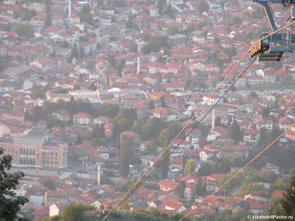 Vid na gorod. Saraevo. Bosniya i Gertsegovina Sarajevo 1024x768 - Спуск по бобслейной трассе в Сараево