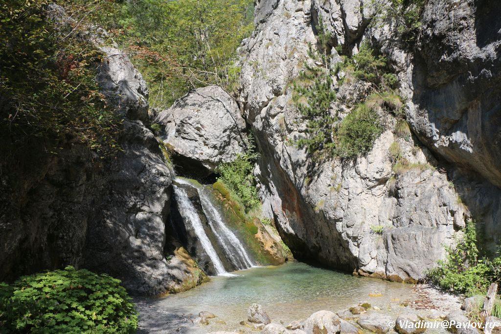 Vodopad Enipeas Enipeas v Prioni u podnozhiya Olimpa 1024x682 - День восхождения на Олимп. Приони. Prionia.