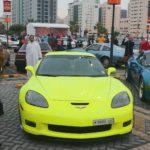 YArkaya mashina privlekaet vnimanie fotografov. Avtomobilnyj klub Bahrejn Klassik Kars. Bahrain Classic Cars Club 150x150 - Автомобильный клуб Bahrain Classic Cars. Выставка к Национальному дню Бахрейна