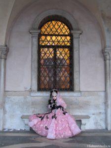 ZHemannaya dama 1 225x300 - Карнавал в Венеции