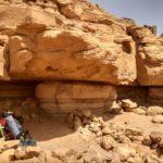 Zdes mozhno postavit palatku ili perezhdat poludenyj znoj. Iordaniya. Wadi Rum Jordan 1 150x150 - Песчаная буря в пустыне Вади Рам (Wadi Rum sand storm)