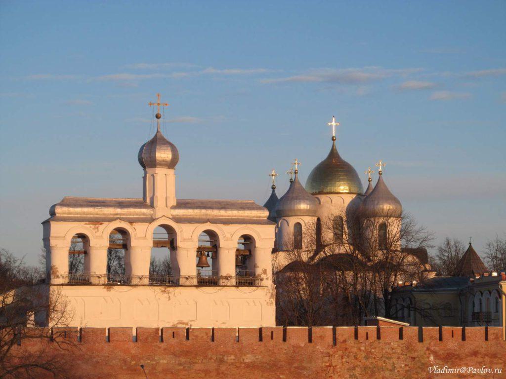 Zvonnitsa Sofijskogo sobora Novgorodskogo kremlya 1024x768 - Тур в Великий Новгород на туристическом поезде из Москвы